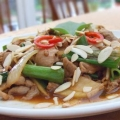 Pork tenderloin with ginger and spring onion 豬肉片炒姜蔥, Taiwanese style cooking