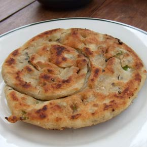 How to make Taiwanese style spring onion pancakes 蔥油餅