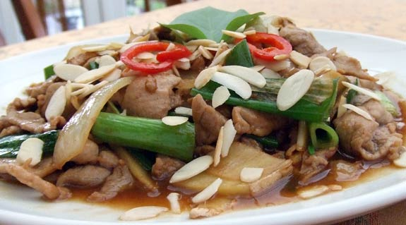 Tenderloin pork with ginger and spring onion