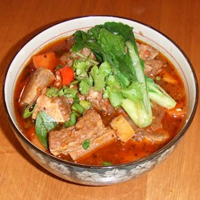 Taiwanese beef stew, traditional style 紅燒牛肉,台灣口味