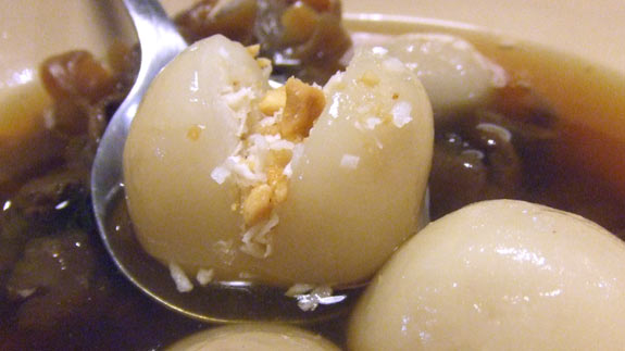 Tang Yuen rice ball, filled with crushed peanut and coconut!